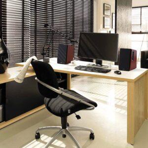 edifier-r1700bt-en-oficina
